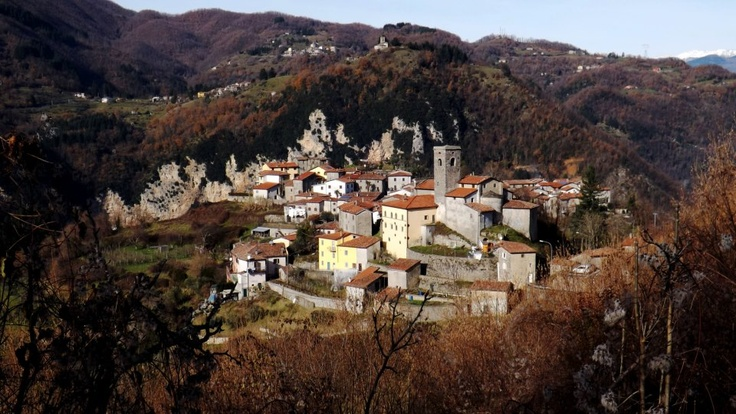 Verni (Gallicano) una piccola gemma sui monti della Garfagnana    Foto di Stefano Colognori