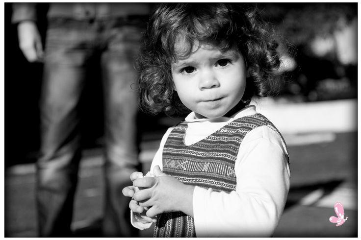 This look say it all - lovely family photoshoot Read more: http://eraumavez-osonhoperfeito.blogspot.pt/2014/02/moments-olhares.html