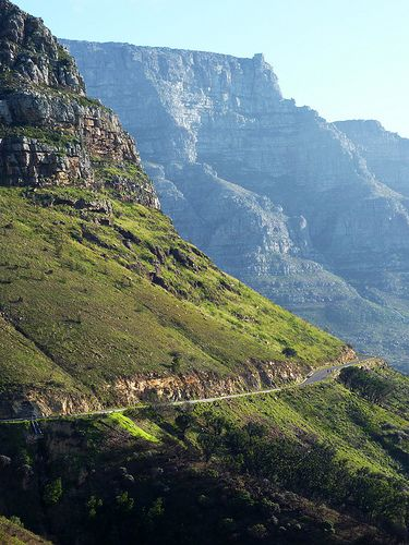 Tafelberg Road, Cape Town, South Africa.   http://owegoo.com/destination/cape-town/