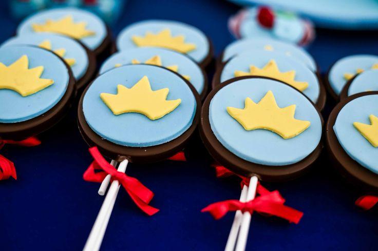 Pirulitos de chocolate decorados no tema O Pequeno Príncipe para a festa de - aninho do Arthur