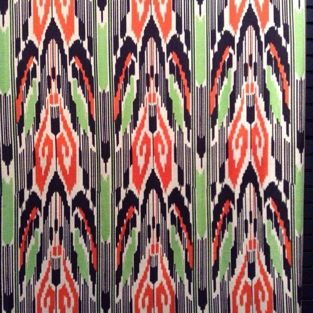 中央アジアの織物。色使いと柄が素敵です。  #万博公園 #国立民族学博物館 #みんぱく#中央アジア #Central_Asia #世界一周 #instalike…