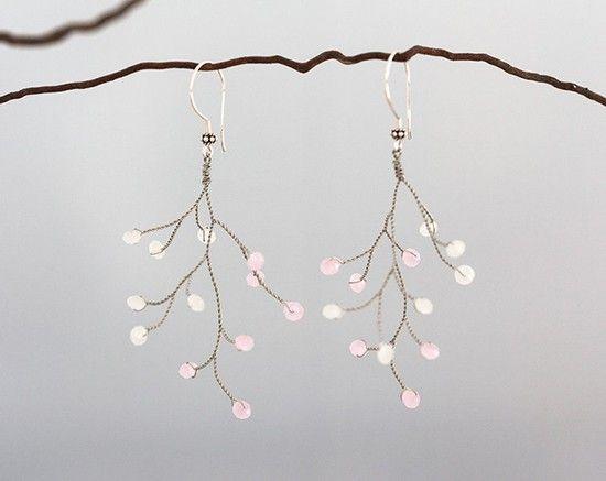 Orecchini sposa pendenti wire con perline. Bride earrings. #wedding #earrings