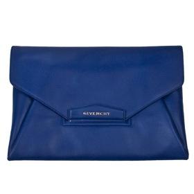 #Electrique ! Pochette Givenchy chez Bazarchic #ColorBloc #Bleu