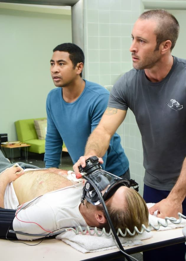 Hawaii Five 0 Review Celebrating Storyteller Danny With Images