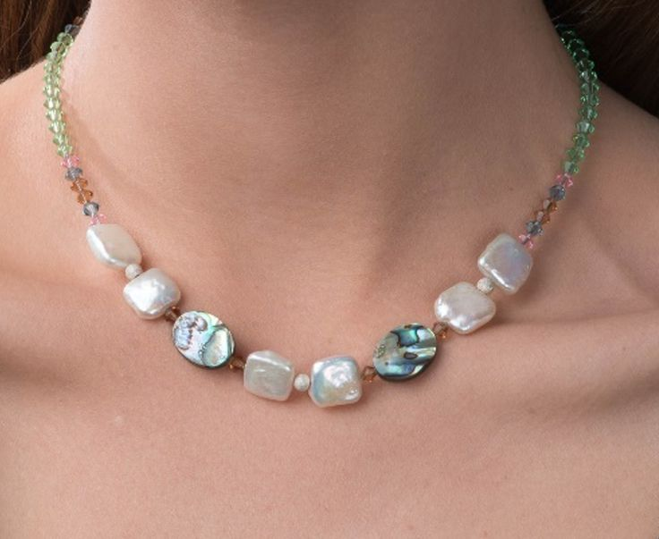 Rhea necklace from Zayah