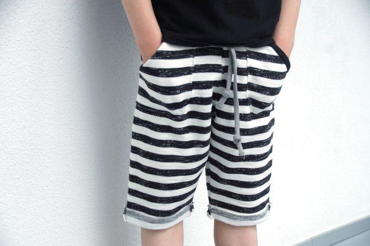 Domi shorts in Nosh Organics fabric