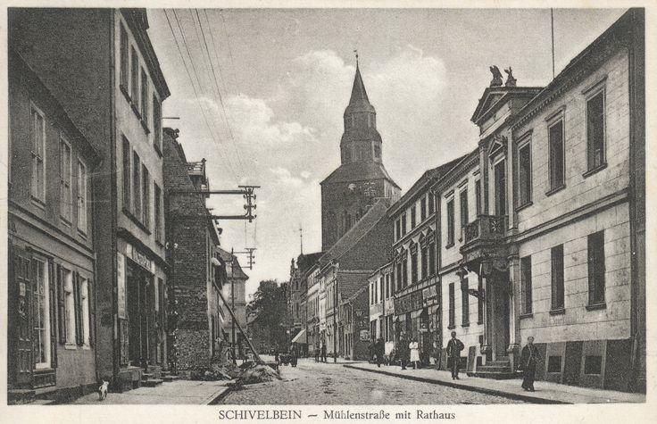 Muhlenstrabe mit Rathus - obecna ulica Niedziałkowskiego. Pierwszy budynek po prawej to przedwojenny Ratusz Miejski.