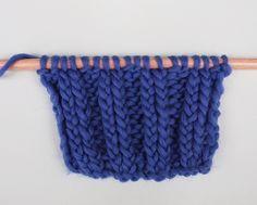 Salut knitters!!En tricot il y a mille et une façons de tricoter le point élastique pour vos vêtements et accessoires WAK. Le point élastique est souvent utilisé pour réaliser des cols, poignets ou encore des bonnets… Cette technique donne d'avantage d'élasticité et de flexibilité à vos ouvrages.Selon la façon dont vous tricotez votre point élastique, celui-ci peut avoir plus ou moins d'élasticité, c'est pour cela qu'aujourd'hui nous allons vous apprendre à tricoter le point élastique ...