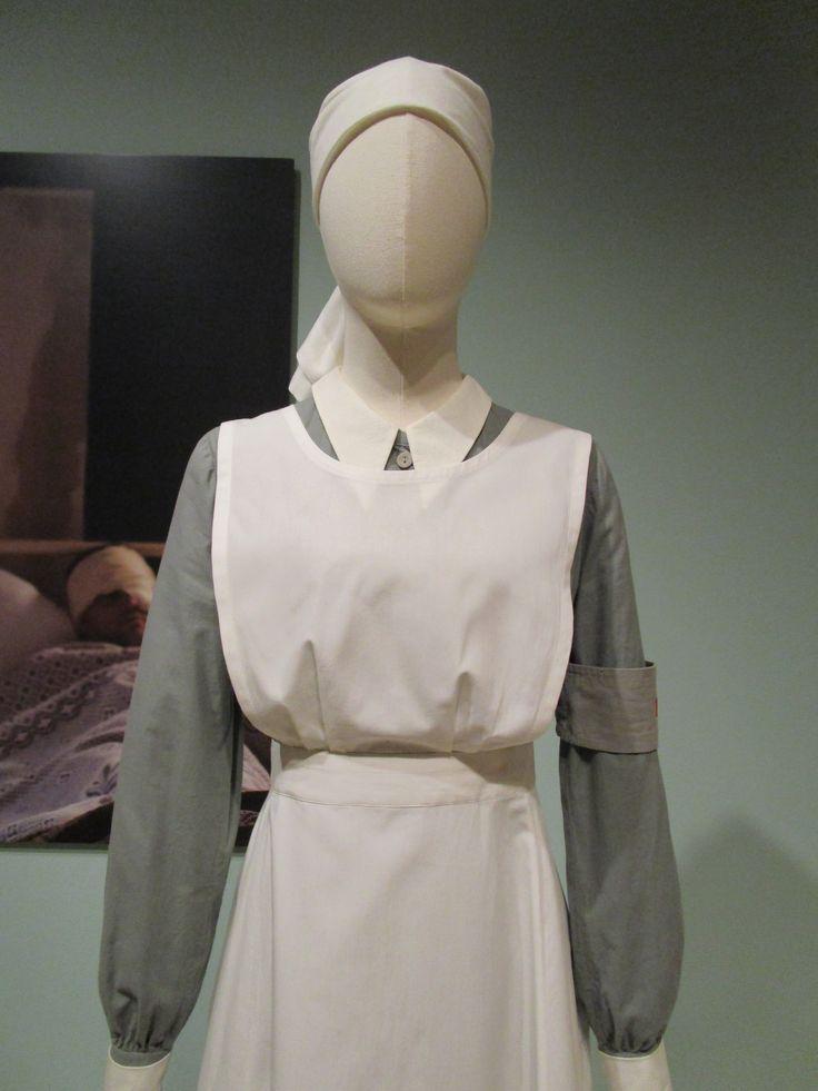 2016-08-26 Taft Museum Downton Abbey Exhibit - Sybil Crawley's cotton nurse's costume (Season 2)