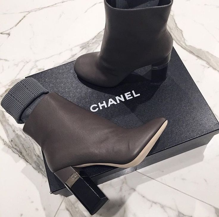 Luxury news and fashion at Luxxu Blog  #shoes #glamour #fashion #design