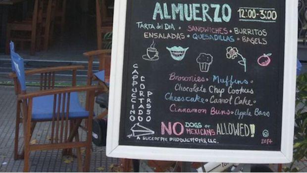 """""""Ni perros ni mexicanos"""": Reclama embajada de México en Uruguay por discriminación - http://www.esnoticiaveracruz.com/ni-perros-ni-mexicanos-reclama-embajada-de-mexico-en-uruguay-por-discriminacion/"""