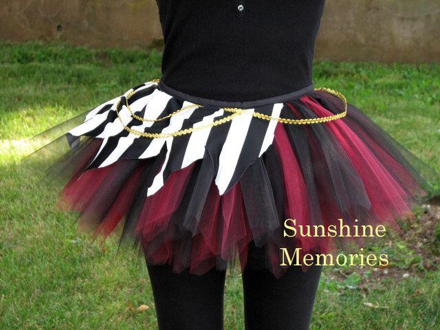 Swashbuckler Pirate Running Tutu by SunshineMemories on Etsy https://www.etsy.com/listing/243037661/swashbuckler-pirate-running-tutu