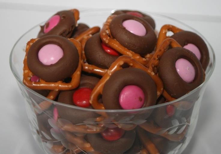 valentines pretzel treats