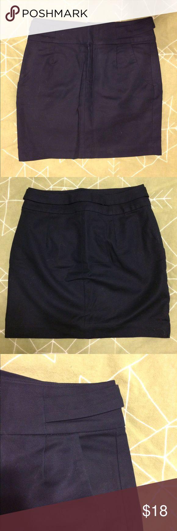 00P Banana Republic Skirt w/ belt and pockets 00P Banana Republic pencil Skirt w/ belt and pockets Banana Republic Skirts Pencil