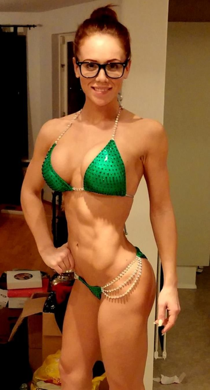 pretty muscle girls