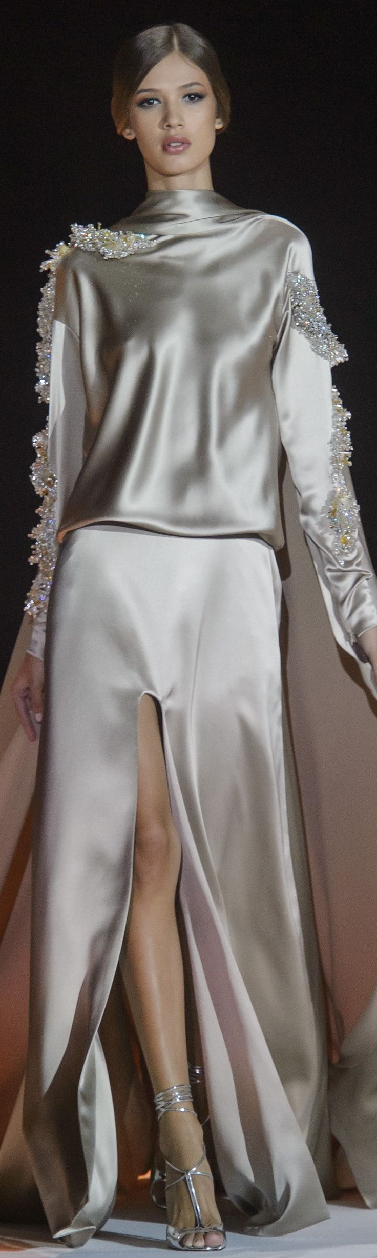 Stephane Rolland Spring 2018 Couture I would so wear this as my wedding gown