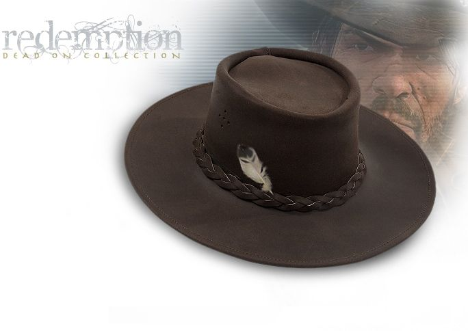 77305af3e69b6 At the beginning of the Red Dead Redemption game Marston wears his