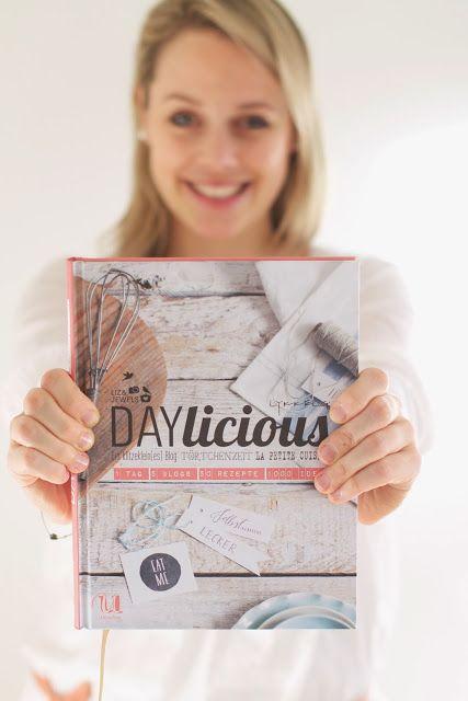 Lykkelig - mein Foodblog: Hurra! Heute zeige ich Euch unser neues Buch DAYLICIOUS, ein köstliches Rezept und eine feine Verlosung.