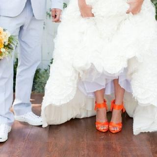 ShoesWedding Dressses, Orange Heels, White Wedding Dresses, Wedding Shoes, Orange Shoes, Bright Wedding, Orange Weddings, Weddingshoes, Colors Shoes
