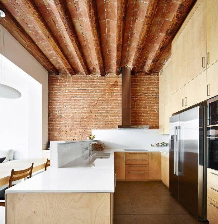 Cucina minimalista di Vallribera Arquitectes