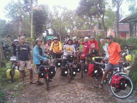 bikepacker indonesia