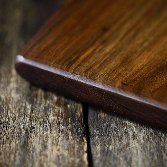 Platou de servire din lemn de nuc - tocător de bucatarie - unicat creatie Loved Things Studio