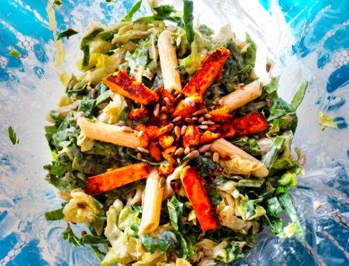 Tésztasaláta. Hozzávalók és recept: http://kertkonyha.blog.hu/2014/09/15/huncut_salata