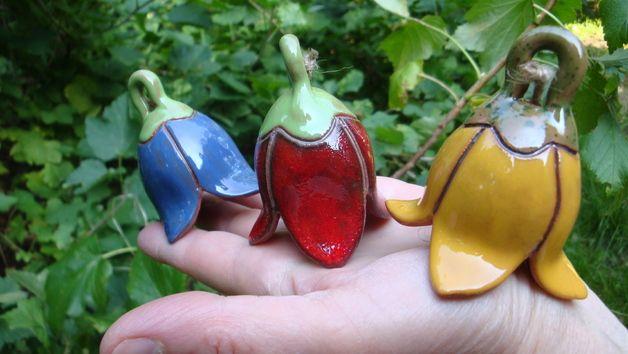 Windspiele - 3 mini GlockenBlumen gelb, blau, rot - ein Designerstück von GlockenToenerei bei DaWanda