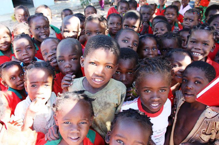 Andare a scuola è un diritto dei bambini... di tutto il mondo.   Grazie al programma di Sostegno a Distanza, garantirai gli aiuti necessari per sradicare l'analfabetismo nelle comunità nelle quali operiamo. Bastano solo 82 centesimi al giorno: www.humanaitalia.it/adozioneadistanza  #sostegnoadistanza