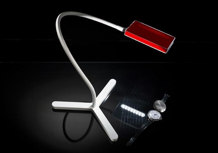 La prima lampada senza fili con ricarica USB che ti segue ovunque… Unica, dal design accattivante e prêt-à-porter!