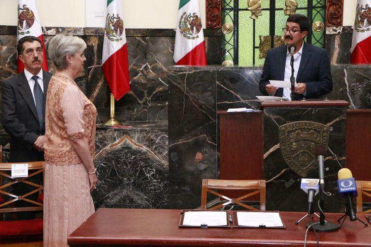 María Concepción Landa García Téllez, rindió protesta como nueva secretaria de Cultura, ante el gobernador Javier Corral Jurado y en presencia...