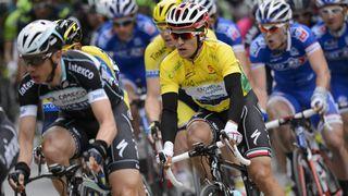 Cyclisme,Tour de Romandie (Suisse) 2014 / Cycling, Tour de Romandie (Switzerland) 2014 - Albasini gagne 10 ans après les 2 Suisses Jeker et Moos.  --> Michael Albasini (Swiss) won the sprint of the first stage of the Tour de Romandie in Sion (Valais). Ten years after the last victory Swiss (Jeker and Moos) over the Romande loop, the rider Orica beat Herrada and Navardauskas. Polish Michal Kwiatkowski rest him in yellow. -