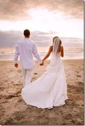Plan a small beach wedding or elopement on the Oregon Coast. All-inclusive small wedding & elopement packages