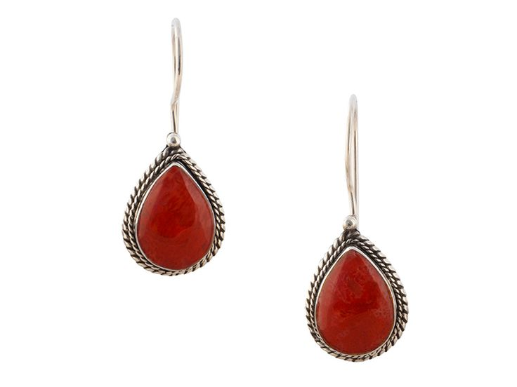 Zilveren oorbellen uit Indonesië - Balinese koraal oorbellen in klassiek zilveren ontwerp