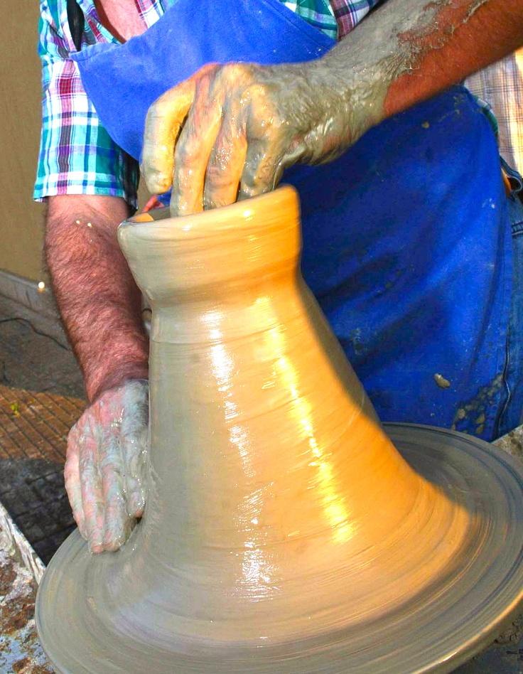Le mani nella ceramica