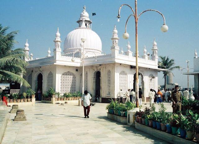 Fascinating Haji Ali Dargah