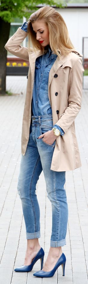 Spring / Summer - Fall / Winter - street chic style - chambray shirt + skinnies + blue pumps + kaki trench coat