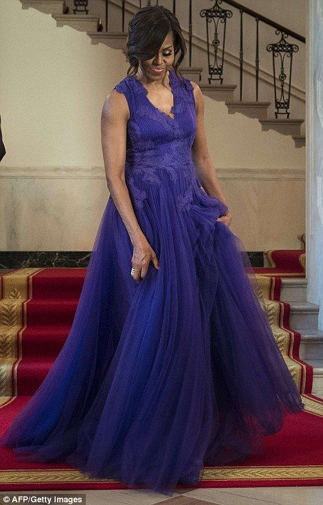 Michelle and Barack Obama welcome Japan's PM Shinzo Abe and wife for state dinner |