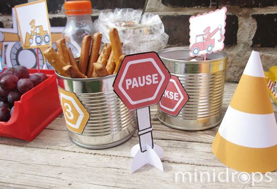 snacks for a construction #party - let the kids grap them with a crane.