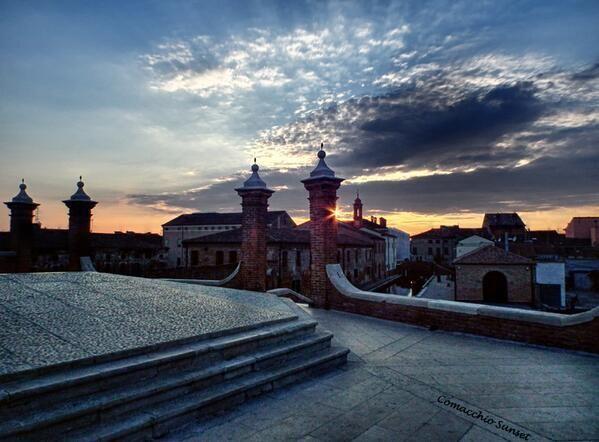 @TurismoER: [#TheGreatBeauty in #EmiliaRomagna] Il cielo di oggi su #Comacchio, #Ferrara #Foto di @Agpentagono