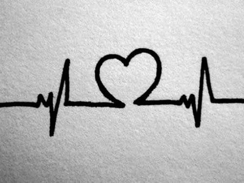 25 Tatuagens de Batimentos Cardíacos + Significado