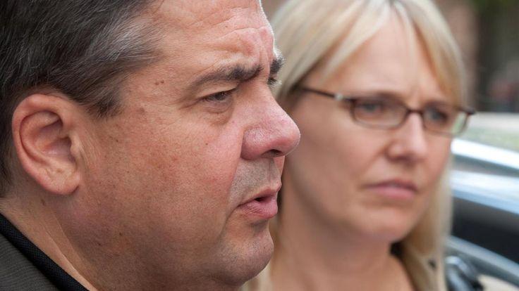 Jetzt wird es persönlich: Im Streit über die türkische Einmischung in die Bundestagswahl haben Unbekannte die Familie von Sigmar Gabriel bedroht. Der Außenminister hat eine Erklärung für den Vorfall.