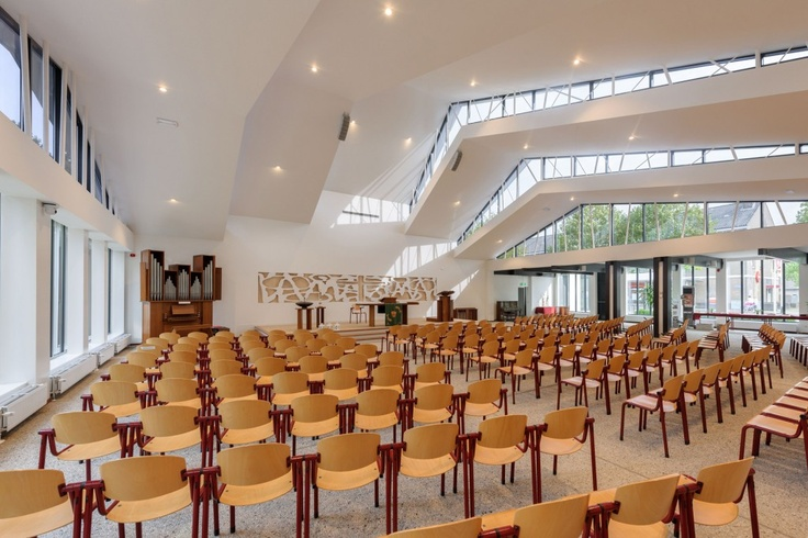 De Bron -Transformation of a church. Bureau MT & Ir. G. van der Veen Architect BNA. Amersfoort, Netherlands