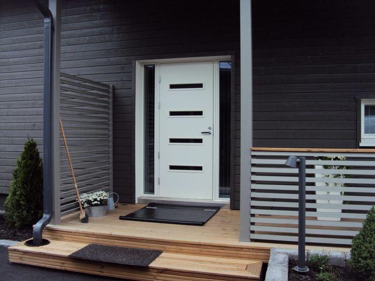 Dagens dør er fra LGA, og er kallt GENOVA.  En flott moderne dør naboene vil bli misunnelig på.