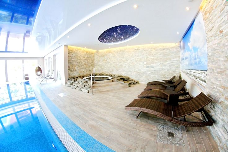 Indoor pool and jacuzzi #spa #hotel #relax #pool #jacuzzi #wellness