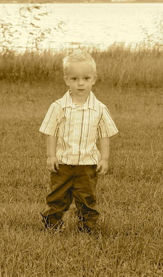 Toddler Photo Shoot Ideas. Sepia gives the picture a great antique look.