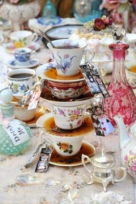 Vintage crockery - if I ever get married my tables would look like this. (however my cousin has an Alice in Wonderland theme so may have to rethink)