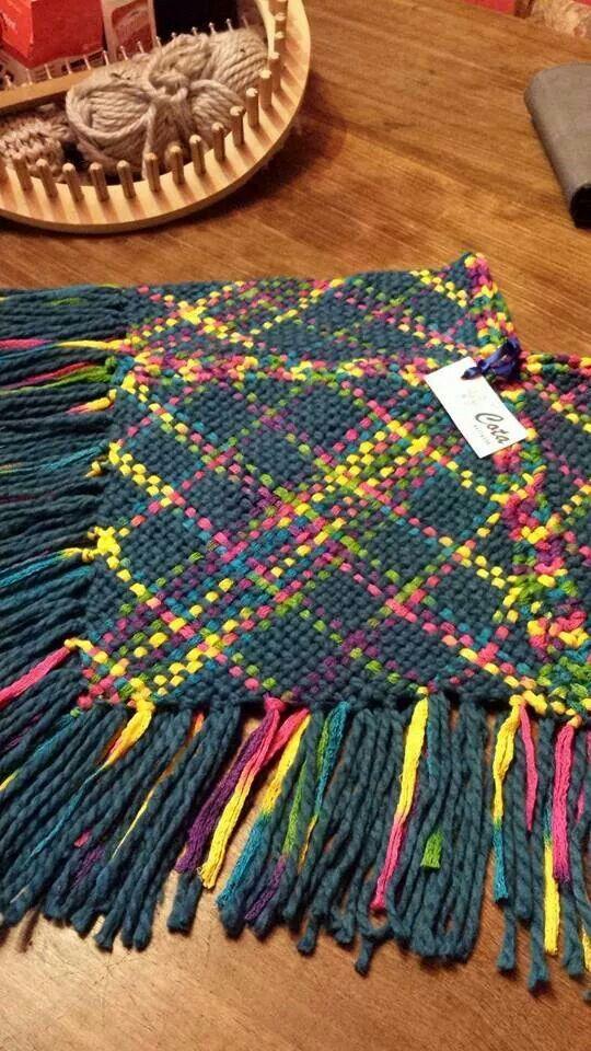 Poncho niñita telar cuadrado lana y algodón
