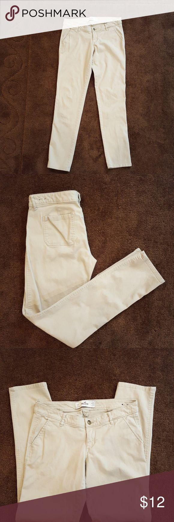 Hollister khakis Hollister khakis, size 5. 98%cotton 2% elastin Hollister Pants Trousers