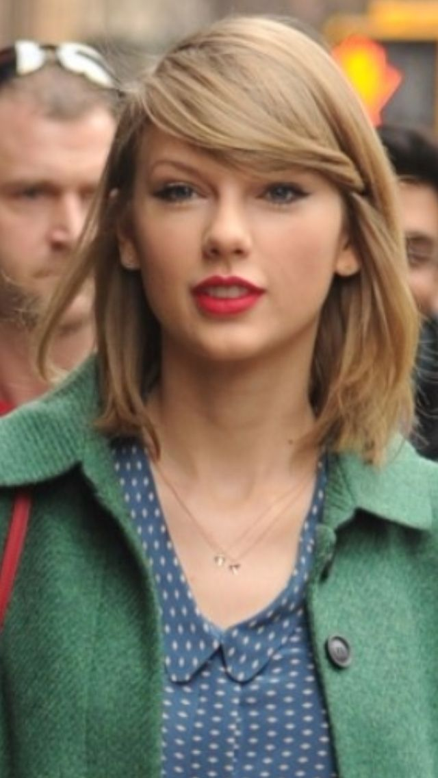 Taylor Swift 2014 bob with bangs Short hair girls Pinterest